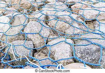 Cobblestone into lattice made of blue wire