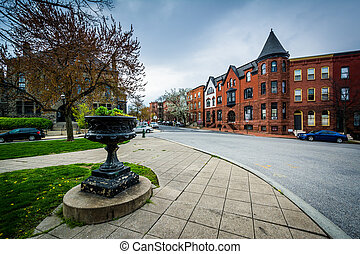 Park Avenue Median Park and rowhouses in Bolton Hill,...
