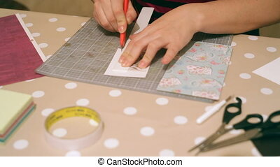 Crafting, donna,  scrap-booking, mani, cartelle, Natale