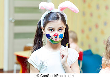 Little girl Paint colors for the face - Little girl with...