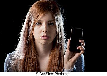 abusado, cazado al acecho, tenencia, móvil, Cyber,...