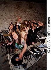 dam,  CÙte,  DJ