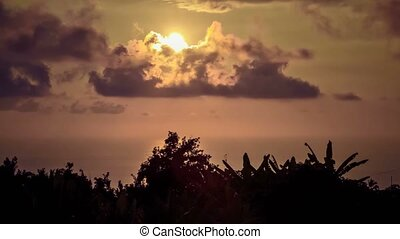 Timelapse, Sunset On Maui, Hawaii - 4K Timelapse, Sunset On...