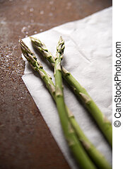 Presentation Raw asparagus - Presentation of some raw...