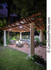 Illuminated back yard - Beautiful and illuminated back yard...