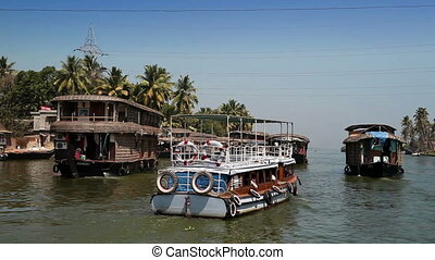 India Houseboat on Kerala backwaters - India Houseboat on...