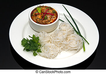 Beef Panaeng curry and white rice noodles
