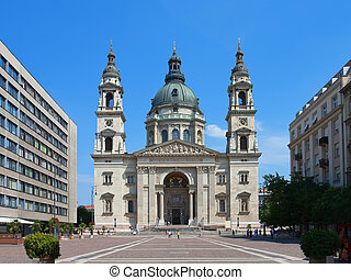 St. Stephen\\\'s Basilica in Budapest - St. Stephen\'s...