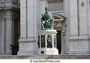 statue - loreto, staute