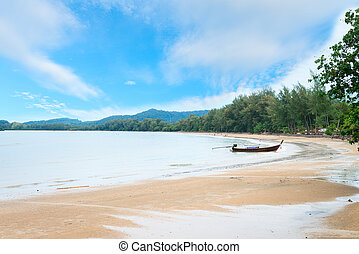 Long boat at Hat Nopparat, Krabi - Tropical long sandy...