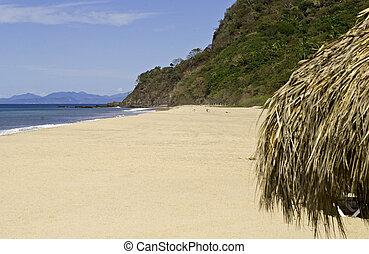 Remote Mexican Pacific Ocean beach in Lo de Marcos, Nayarit