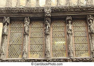 Caen: half-timbered house - Caen (Calvados, Normandy,...