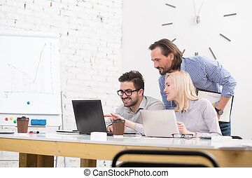 Coworking of businessteam - Happy young business people in...