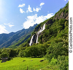 Waterfalls of Borgonuovo - Valchiavenna, Italy: Waterfalls...