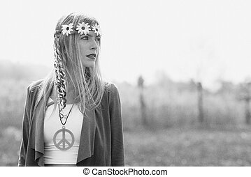 Hyppie girl - Hippy girl - 1970 style Old black and white...