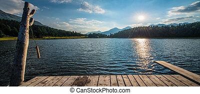 Mountain lake Plunge wood