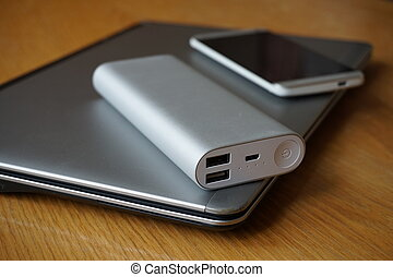 Mobile office with aluminum devices - Mobile office with...
