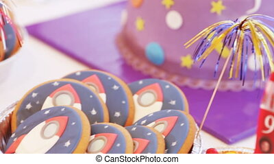 Candy birthday - Sweets in form of rockets and other space...