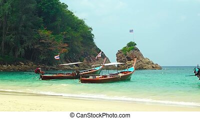 Long Tail Boats Tied at a Tourist Beach in Thailand. Video -...