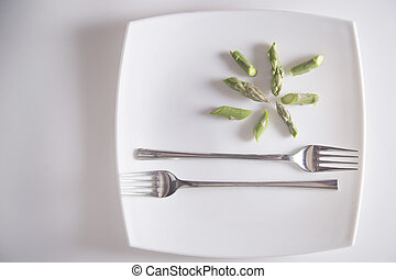 Raw asparagus tips - Presentation of raw asparagus spears on...