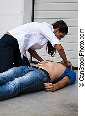 defibrillation assistance - rescuer assistance to an...