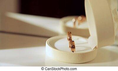 Rings Wedding rings in the case - Rings Wedding rings in the...