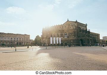 Semper Oper in Dresden - The famous opera house Semper Oper...