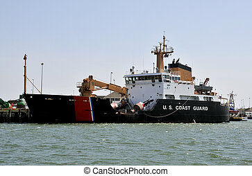 Coast Guard Buoy Tender - A US Coast Guard Buoy Tender in...