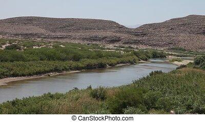 Rio Grande River - This is a video of the Rio Grande River...