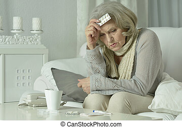 senior woman feel unwell - Portrait of senior woman feel...