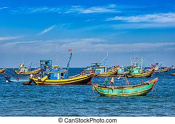 Fishing boats in Vietnam - Fishing boats in Mui Ne, Vietnam