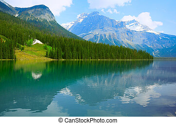 Herbert Lake Yoho National park - Emerald Lake Yoho National...