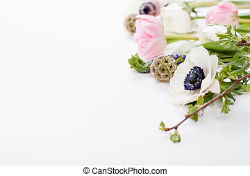 Ester flowers, cloves and buttercups - Pink tulips, white...
