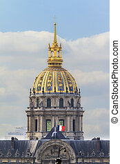 Golden dome Invalides - The golden dome of Invalides in...