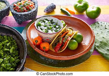 Nopal, Taco, mexicano, alimento, con, chile, pimienta,