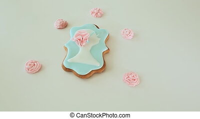 Beautiful gingerbread colored glaze Female silhouette -...