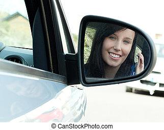 jugendlich, brünett, Sie, Sitzen, Schlüssel, Auto, Besitz, m�dchen