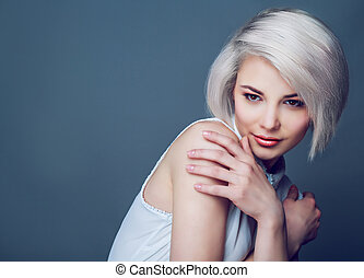 blond model with brown eyes - beautiful young blond woman...
