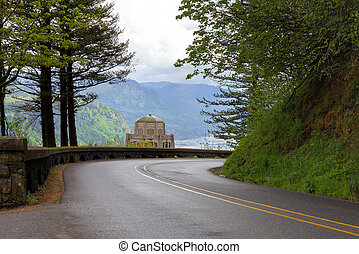 Vista House along Old Columbia Highway