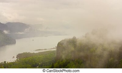 Time lapse in Columbia River Gorge - Ultra high definition...