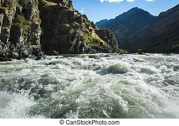 Whitewater rapids in Hells Canyon, Idaho - Rough and wild...