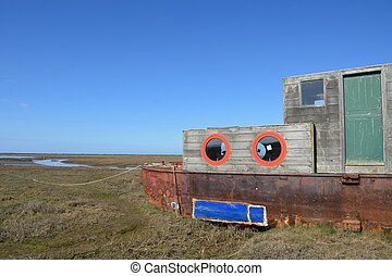 Rusty Houseboat overlooking estuary - Rusty old Houseboat...