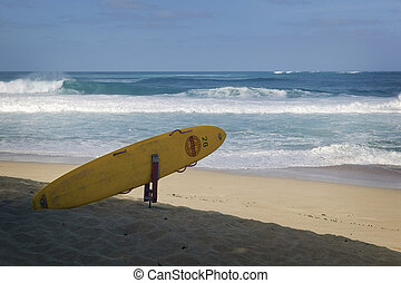 Big Surf North Shore, Oahu - December on the North Shore of...