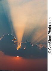hermoso, sol, rayos, nubes, cielo