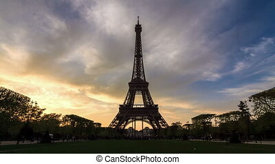 Sunset Eiffel timelapse - Beautiful full HD timelapse of the...