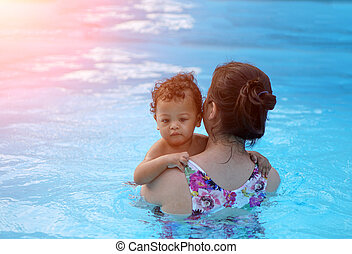 bebé, niño, primero, tiempo, en, Un, natación, piscina,