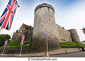 Famouse windsor castle - windsor castle tourist england...