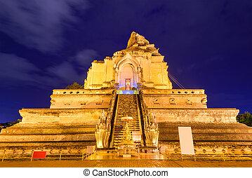 Wat Chedi Luang - Chiang Mai, Thailand at Wat Chedi Luang.