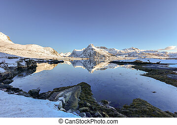 Boosen, Lofoten Islands, Norway - Boosen by Bo with...