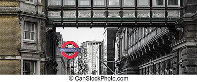 London underground sign station